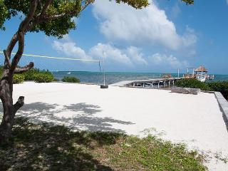 New Beach Front 3 bedroom 2 bath home with private pool, dock, Beach & AC