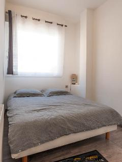 bedroom: double bed with Bultex mattress