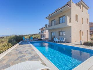 4 Bed Luxury Villa - Jacuzzi   Sauna  Private Pool, Polis