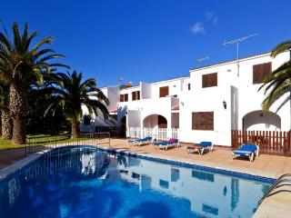Apt. with pool,barbecue Cala B, Ciudadela