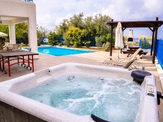 Villa in St George, Coral Bay, 1 Bedroom Villa az1, Paphos
