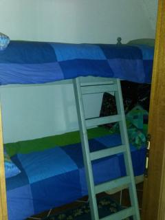 Camera singola con letto castello