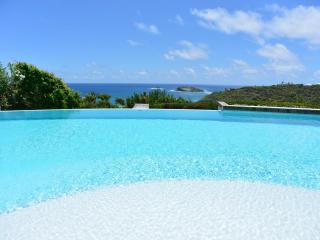 Fabulous 5 Bedroom Villa with Private Garden in Pointe Milou, San Bartolomé