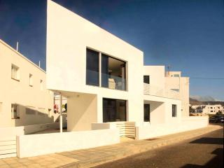 Casa Anclada A1, luxury apartment in Arrieta