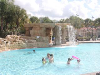 Magical Stay 5 bed home w/ Private Pool and BBQ - Front Clubhouse - lake view, Kissimmee