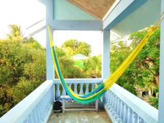 Sapphire House - spacious, private island home