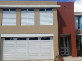 Escape to a fancy and comfortable house, Canovanas