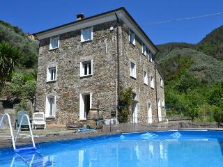 I1.206 - Stonehouse with p..., Levanto