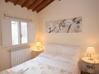 Stylish, Beautiful and cozy apartment for max 4, Florença