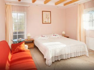 Deluxe quadruple en-suite - Trakaitis guest house