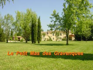 Les Alpilles - Le Petit Mas des Gravenques, Charleval