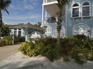 Palm Gables, Holmes Beach