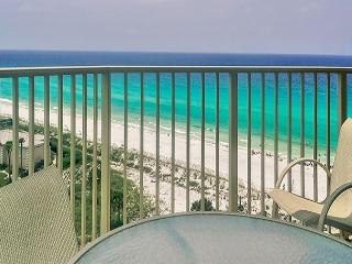 BEACHFRONT FOR 6! 10% OFF MARCH STAYS! CALL NOW!, Miramar Beach