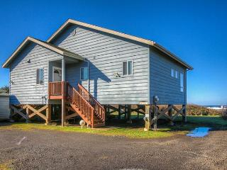 Payn House--R505 Yachats Oregon ocean front vacation rental