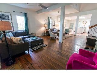 Flexible Refund Policies: Historic Home on Jones w/ Great Backyard