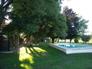 Mas en campagne Arlésienne, Raphele-les-Arles