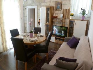 Charming apartment in Trogir center