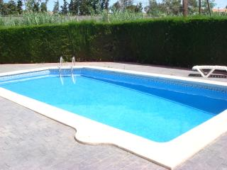 La Casita Holiday apartment in Cambrils with shared pool