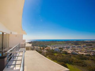 Sea View Penthouse w\big Terrace near beach