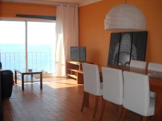 casa kohlipe: sea view beautiful flat sleep 4, Burgau