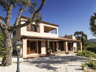 83.644 - Beautiful villa i...