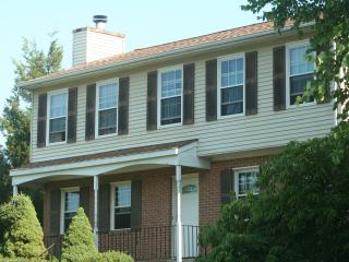 Huge 4 bedroom suburban home, Woodbridge