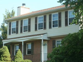 Huge 4 bedroom suburban home, Woodbridge