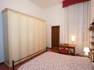 Apartment in classical Florentine style, Florence