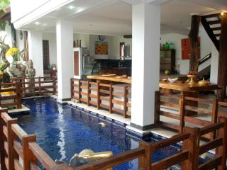 4 Bedroom Golden Pineapple Guesthouse, Sanur
