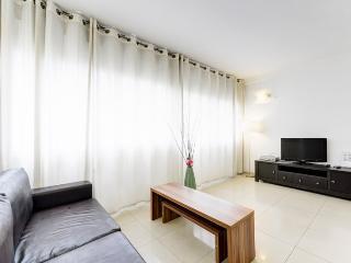 Bright and Modern luxury Apartment, Tel Aviv