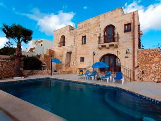 Unique Gozo Farmhouses- Villa Perla, San Lawrenz