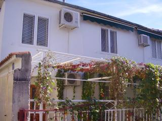 house for rent, Kastel Kambelovac