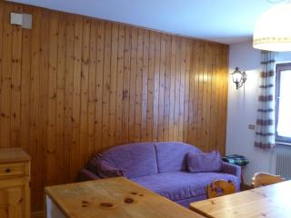 2 Bedroom Ski resort apartment near Ciampaq cable!, Alba di Canazei