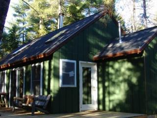 Molasses Pond Year Round Cottage Sleeps 7, Eastbrook