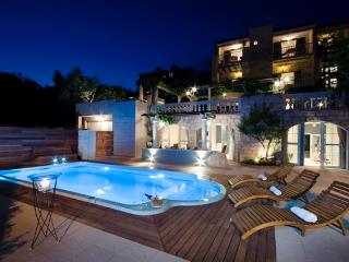 Luxury Apartment Villa  Tomas with swiming pool, Tucepi