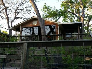Cissy's House - + Sleeps 18, Wimberley