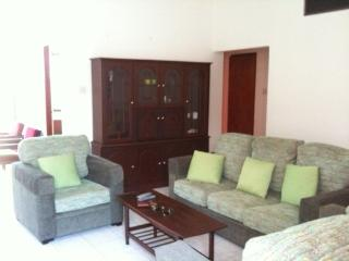 Three bedroom Ocean-view apartment in Colombo 3