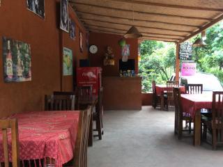 Domino homestay & Warong, Amed