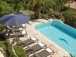 06.266 - Beautiful villa w...