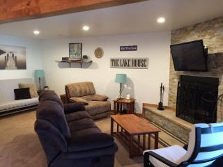 Newly updated Lake Tahoe condo-sleeps 6!