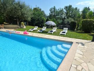 06.122 - Charming villa wi...