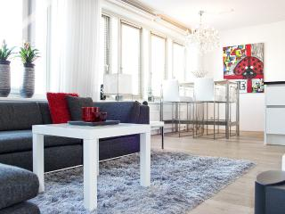 Trendy and Modern Luxury Apartment, Amsterdã