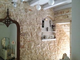 casa tipica in pugli con pietra a vista