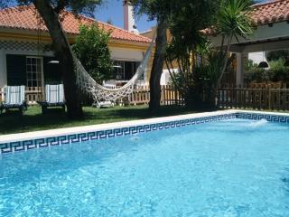 Casa de campo con piscina, jardin y playas WI-FI, Azeitão