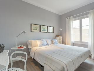 Comfortable bedroom with ocean view, Palma de Mallorca