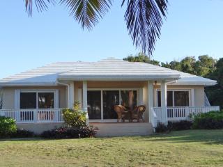 Eleuthera, Bahamas, Beautiful Ten Bay Bungalow, South Palmetto Point