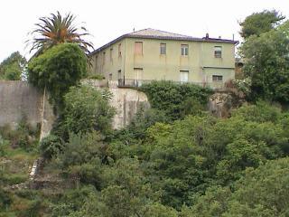 Villa bipiani con terreno, Feroleto Antico