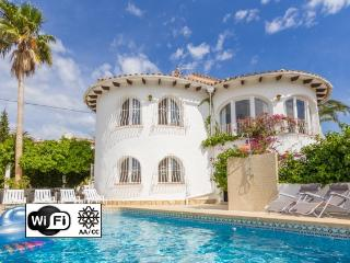 Villa Maria - Villa with pool and sea views