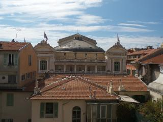 """Duplex Opera"" in The old Nice WIFI 2 min seaside"