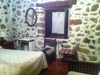 HOTEL CASA LIGIA.  HABITACION DOBLE, Mijares